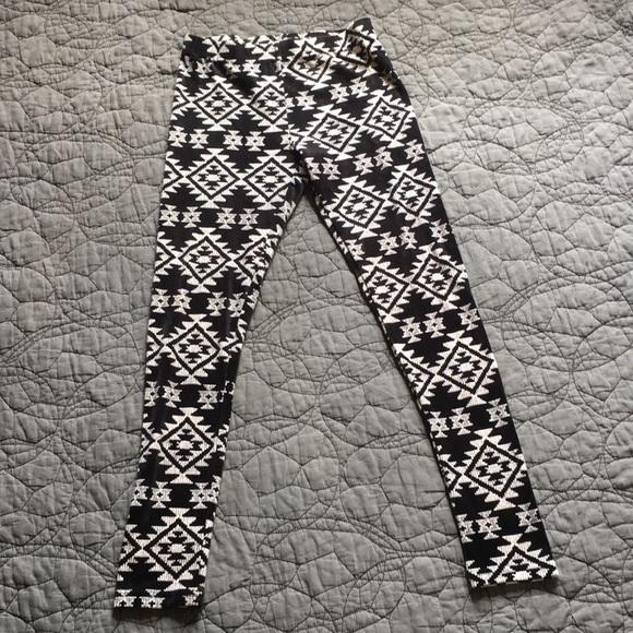 2d5f3641d1d8b3 No Boundaries Pants   Super Soft Leggings Size M   Poshmark